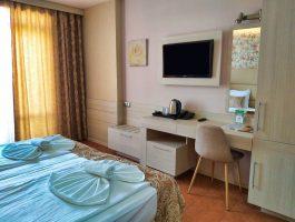 Aphrodite_hotel_room_park_sea