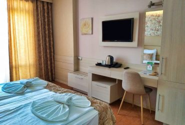 Aphrodite_hotel_room_park_sea