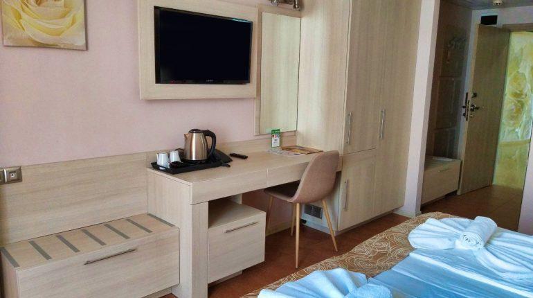 Aphrodite_hotel_room_park_sea1