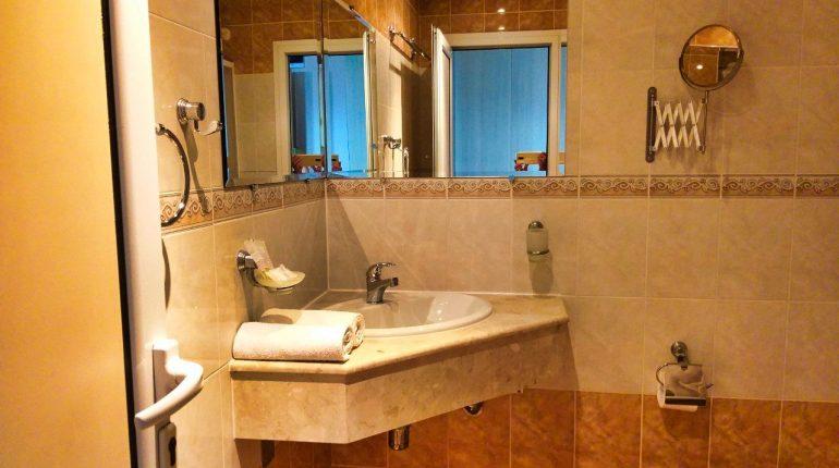 Aphrodite_hotel_room_sea1